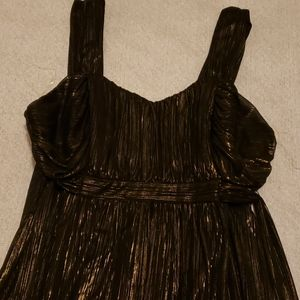 High-low gold and black dress.